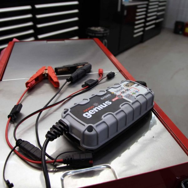 15 amp 12/24V NOCO Genius G15000 Multi-Purpose Battery Charger 7